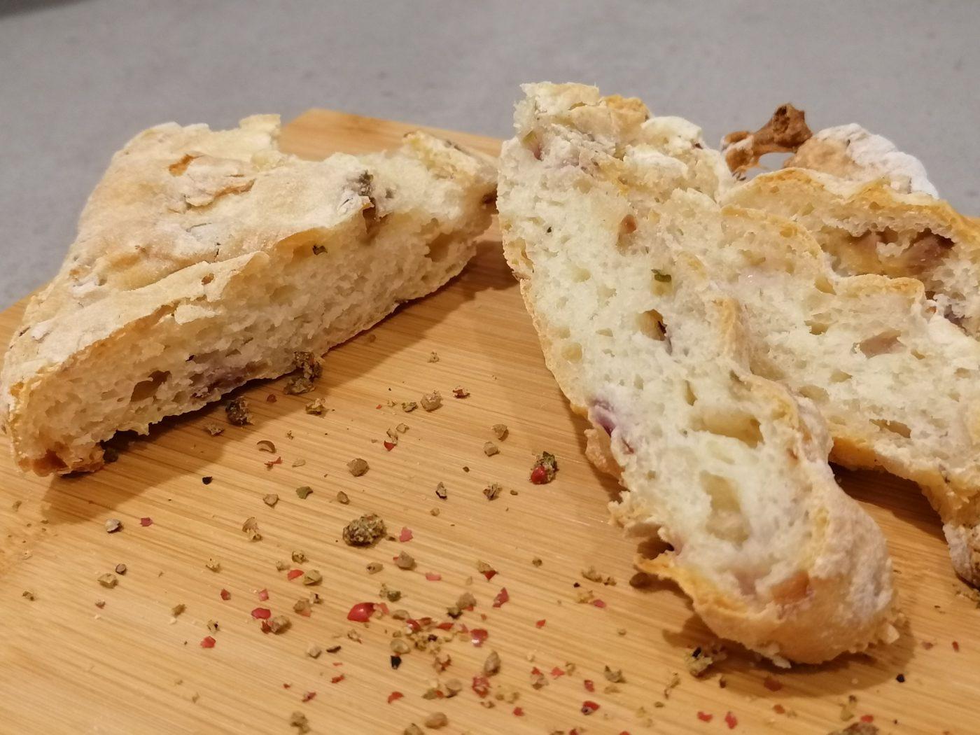 die Sachsengriller Grill Rezept Fladenbrot mit Oliven und Zwiebel