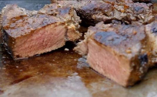 die Sachsengriller Grill Rezept Wildschweinsteak mit Blaubeermarinade